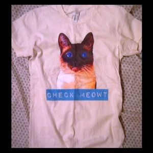 Tops - Adorable Cat T-Shirt. Size Small.